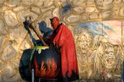 Demon exhibit at Coney Island Hell Hole